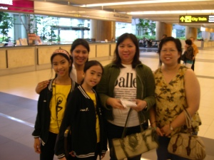 me, Marlyn, Kate and their friends at Changi Airport